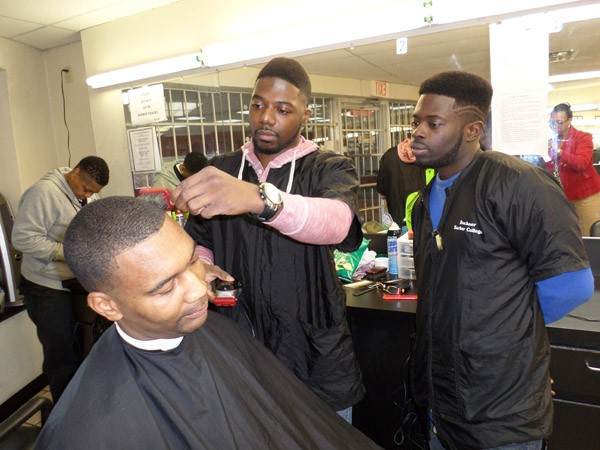 3 Things to Consider When Choosing a Barber School in Texas