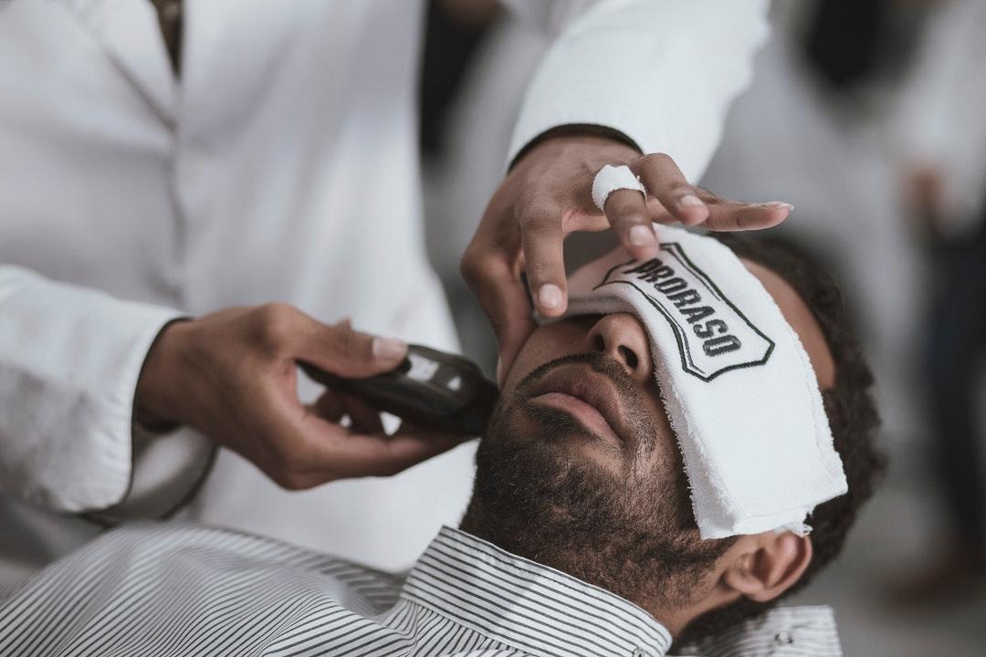 5 Eye-Opening Reasons to Enroll in a Dallas Barber School Program
