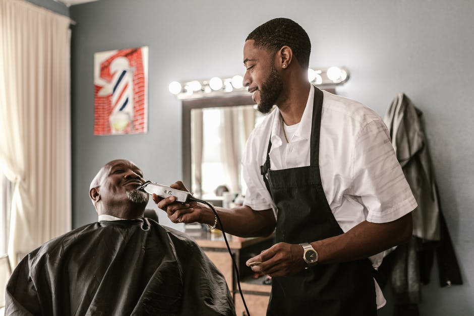 What Are the Steps to Getting a Barber's License?